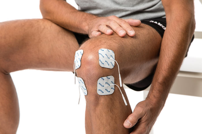 TENS-application-for-knee-pain-with-the-special-knee-electrode-2